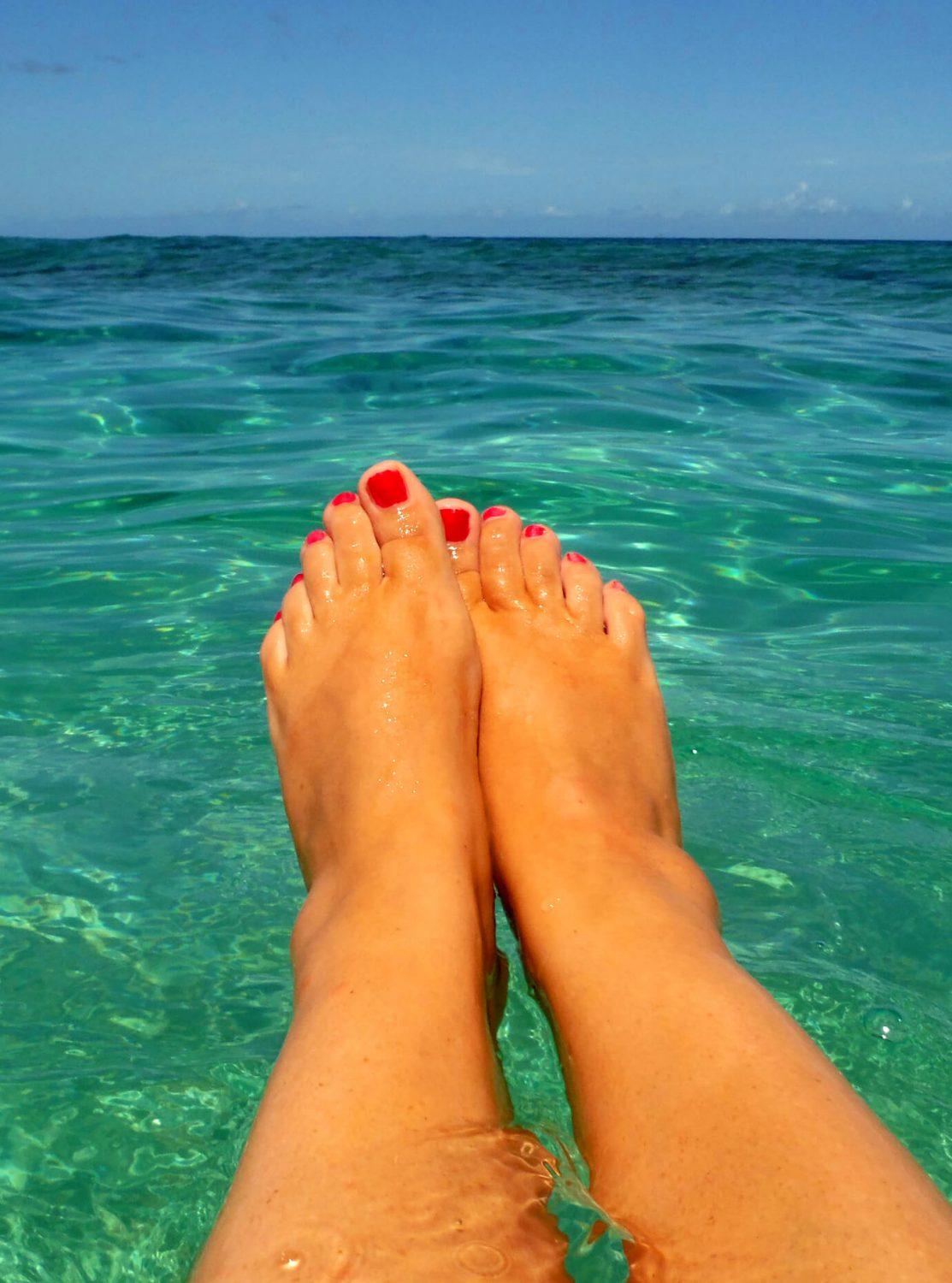 Gill's toes in the sea